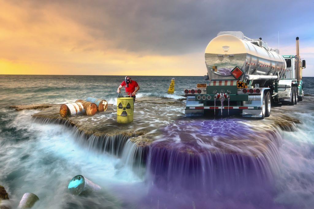 産業廃棄物(産廃)の変更届と許可申請について